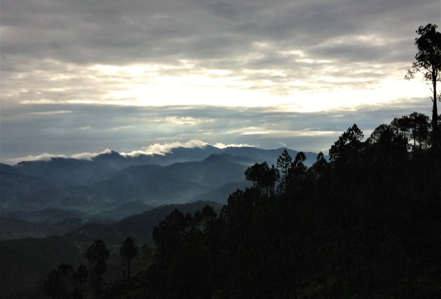Sunrise above the Balta valley near Almora, Uttarakhand