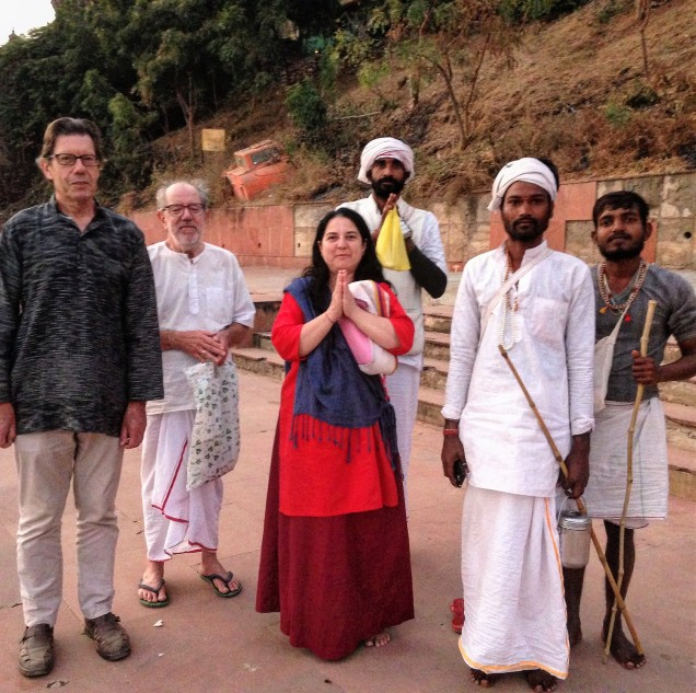 Alan and our Italian friends with three parikarmavasis in Maheshwar. These men are walking the pilgrimage barefoot.