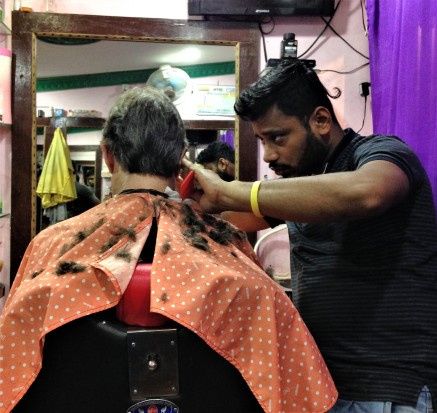 Barber at work, Puri, Odisha