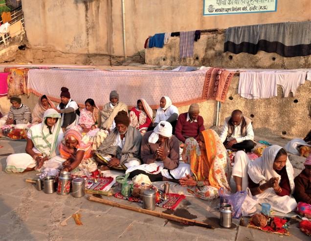 Early morning prayers on the ghats at Maheshwar.